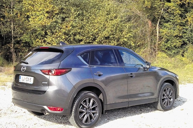 Vzporedni test: mazda cx-5 in nissan x-trail