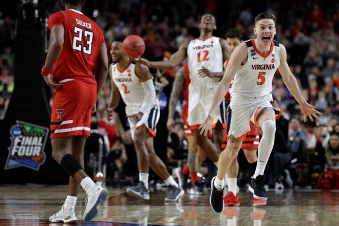 #video DeAndre Hunter junak zmage Virginie
