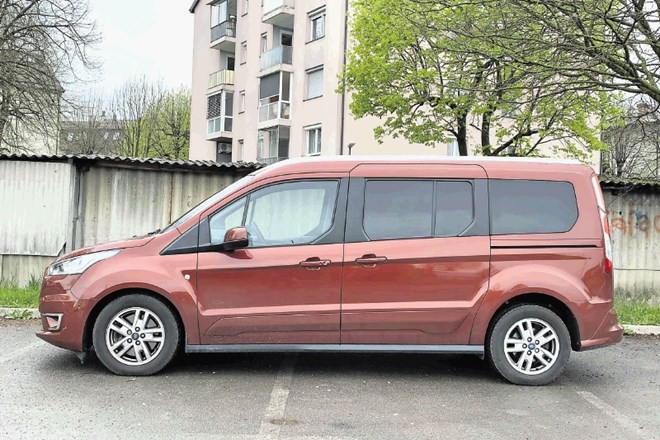 "Ford tourneo connect in ford tourneo custom: ""Pujsasta"" prostorska prvaka"