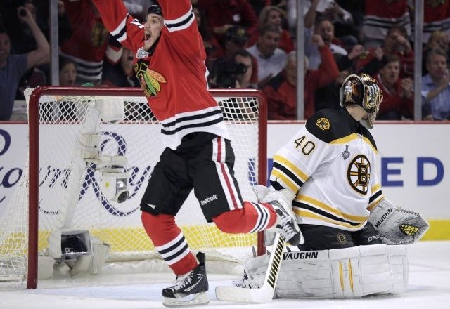 Hokejisti Chicago Blackhawks so v finalu lige NHL povedli z 1:0.
