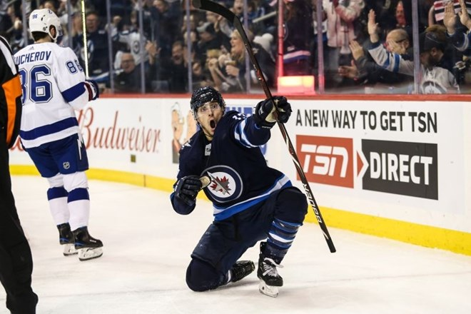 #video Winnipeg ustavil vodilno Tampo
