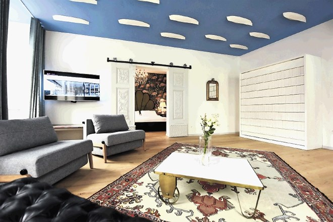 Cerkveni apartmaji na Cankarjevem nabrežju so na portalu booking ocenjeni z visokimi ocenami in so zelo priljubljeni.