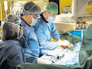 Zožitev aortne zaklopke: vstavili tristo zaklopk brez operacije