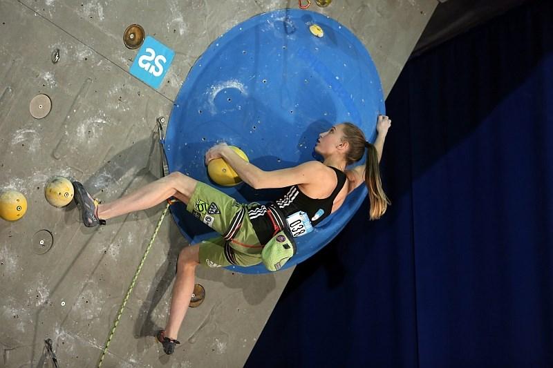 Janja Garnbret zmagala na tekmi v balvanskem plezanju