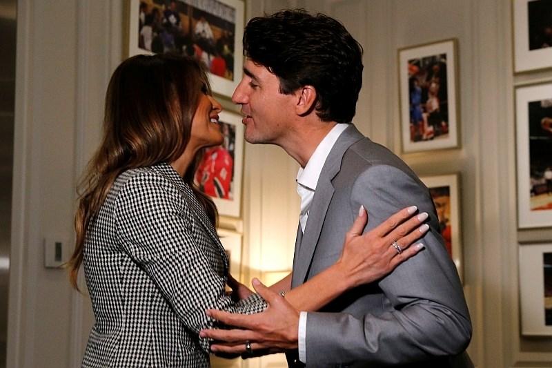 Melania Trump na prvi samostojni uradni poti v tujini tudi s princem Harryjem in kanadskim premierjem