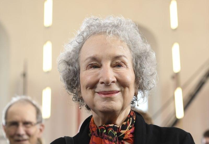 Margaret Atwood za Deklino zgodbo prejela mednarodno nagrado Franz Kafka