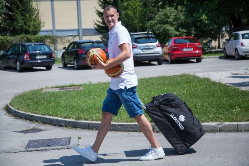 V živo: novinarska konferenca košarkarske zveze