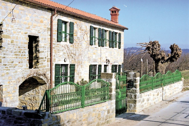 Nujna vzdrževalna in obnovitvena dela starejših zgradb: ko stara hiša postane nova