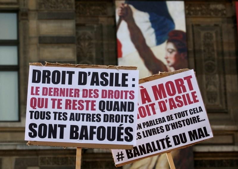 Francija občutno zaostruje migracijsko politiko