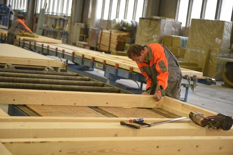 Jelovica postala edini slovenski proizvajalec lesenih hiš s certifikatom PEFC