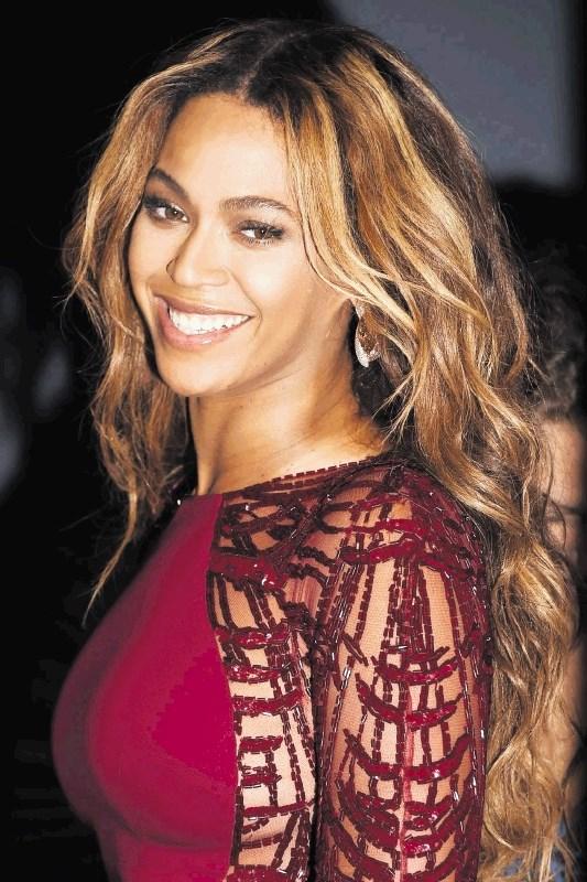 Detektivska zgodba: kdo je ugriznil Beyonce?