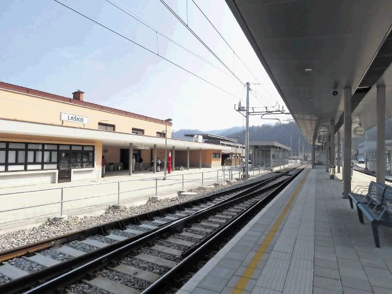 Dvigala bodo zgradili tudi na železniških postajah v Poljčanah in Slovenski Bistrici