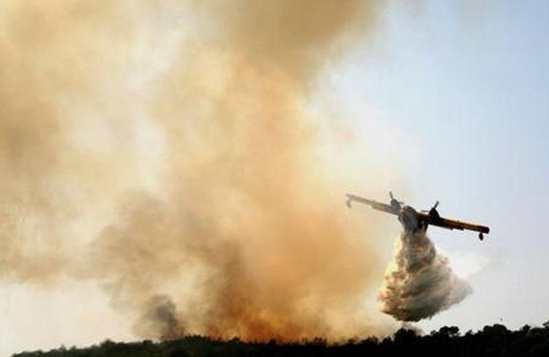 Grčijo pestijo požari in saharski prah