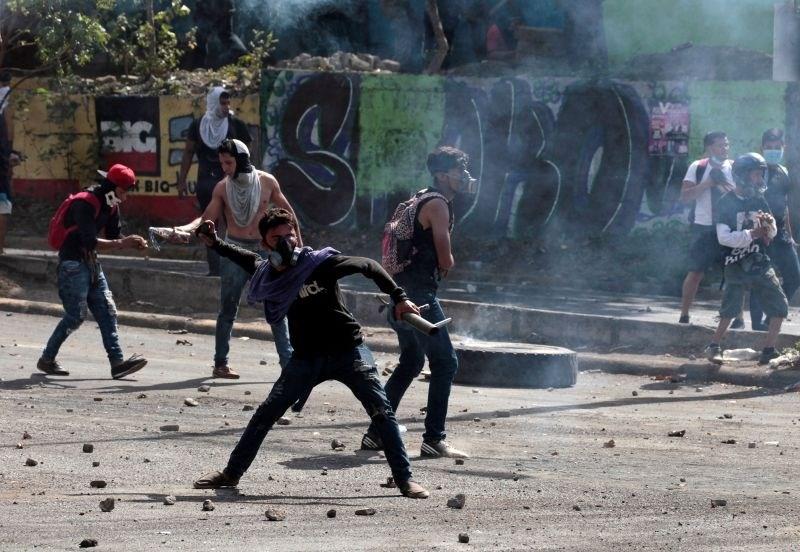 V nasilnih protestih v Nikaragvi umrlo že 20 oseb