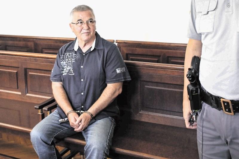Milan Leber in Jasna Ržišnik spet oproščena tihotapljenja droge, ker so ju ujeli cariniki in ne policisti
