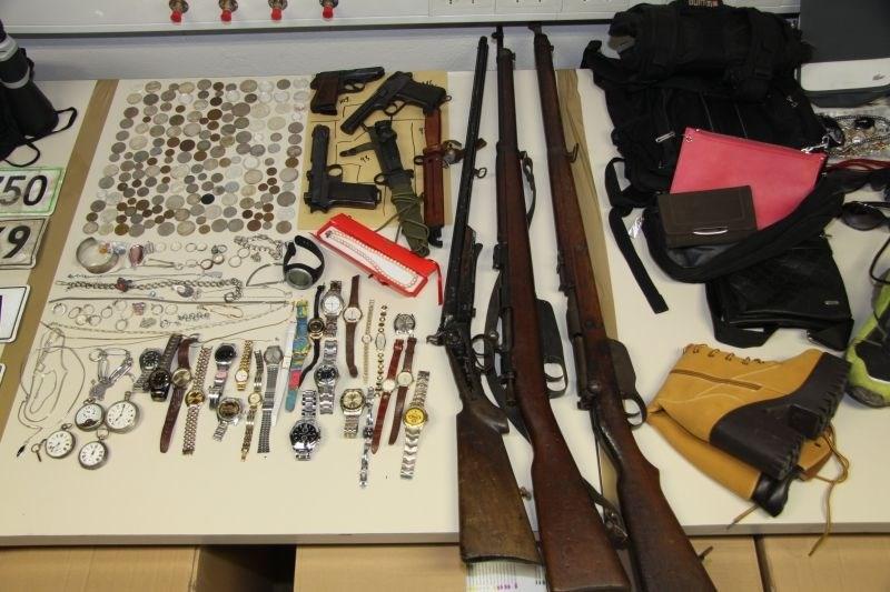 Po odkritju vlomilcev gorenjski policisti iščejo lastnike ukradenih predmetov