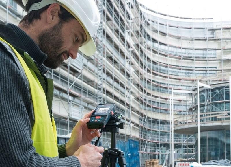 Oglasno sporočilo: Boschev prvi, izjemno natančen laserski merilnik razdalj s kamero
