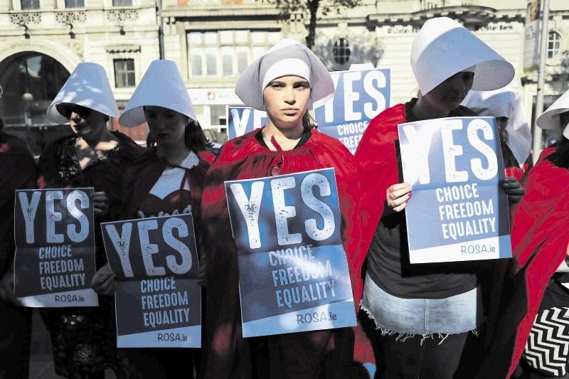 Ustavna prepoved splava na Irskem na ljudski preizkušnji