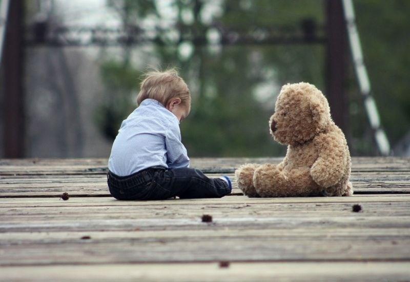 Ponarejanje rojstnih listov: na Irskem nova afera s posvojitvami otrok