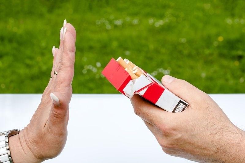 V Franciji drastičen upad kadilcev