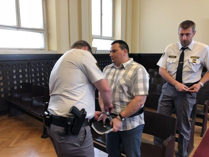 Umor v Mariboru: tožilstvo za Sepa zahteva več kot 26 let zapora