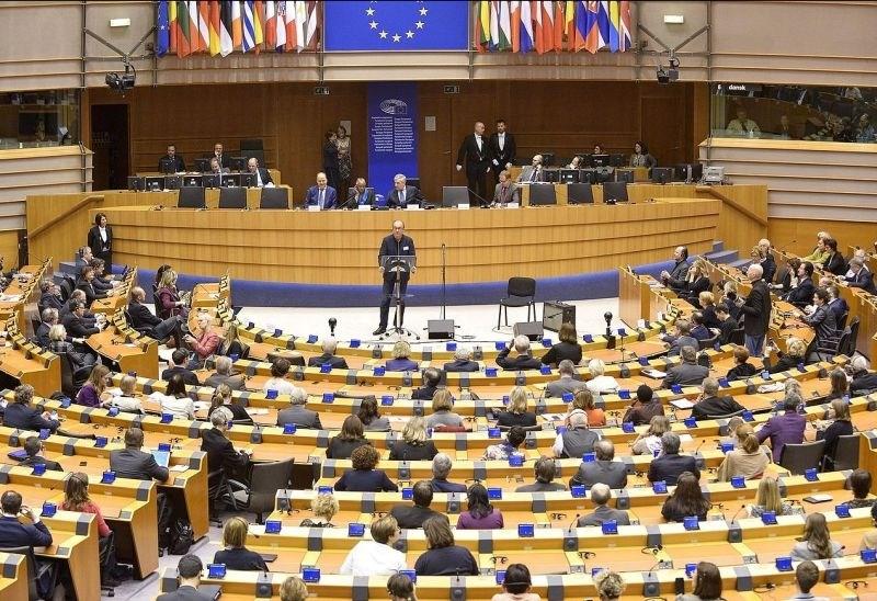 Evropski parlament potrdil sestavo po brexitu, Slovenija ostaja pri osmih sedežih