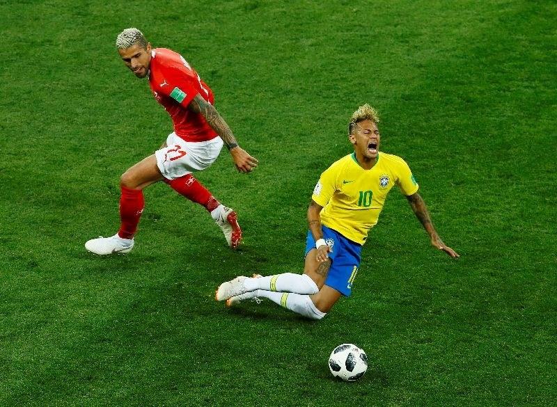 Neymar z bolečinami v gležnju odšepal s treninga