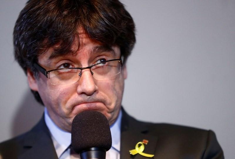 Razveljavili Puigdemontov poslanski mandat