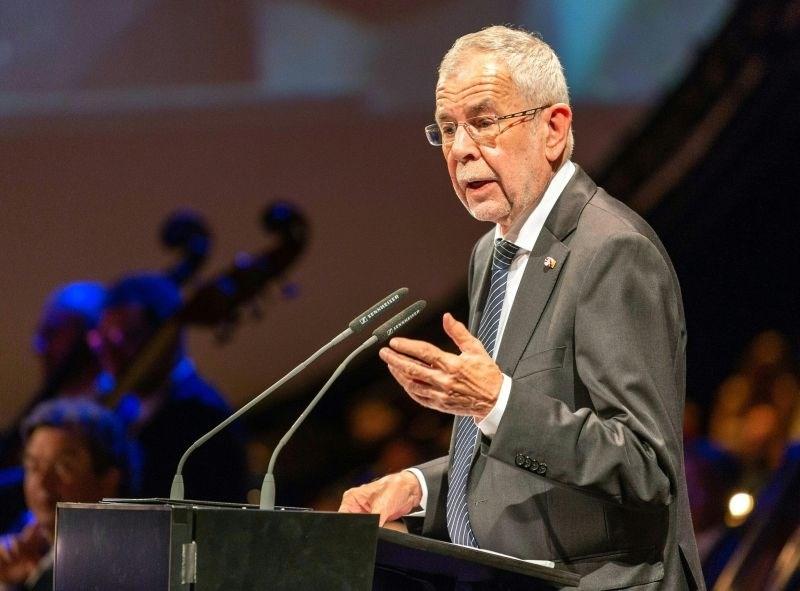 Van der Bellen opozoril na izčrpane kapacitete avstrijske vojske