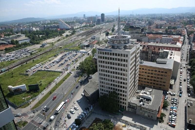 Telekom Slovenije v polletju s 40-odstotnim padcem dobička
