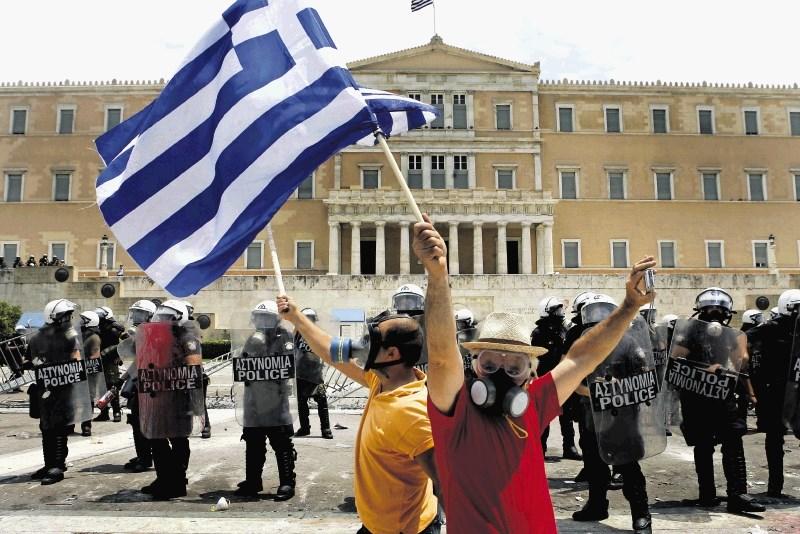 Konec evropske pomoči za Grčijo: Pacient odhaja z intenzivne nege na oddelek