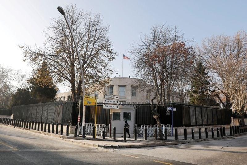 Streli na ameriško veleposlaništvo v Ankari