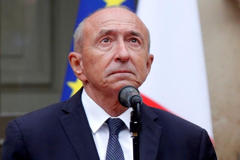 Nesramni odstop notranjega ministra je hud udarec za Macrona