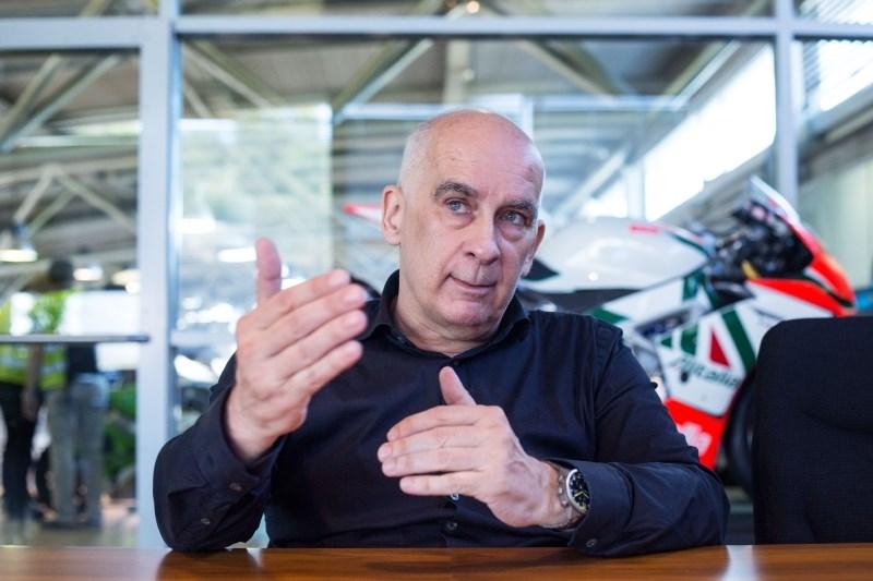 Igor Akrapovič o tem, da se kriza nezadržno približuje