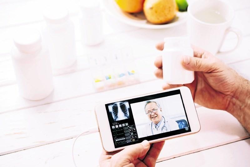 Iskanje nasvetov s pametnimi telefoni je zadnja moda: Klikneš in že si pozdravljen