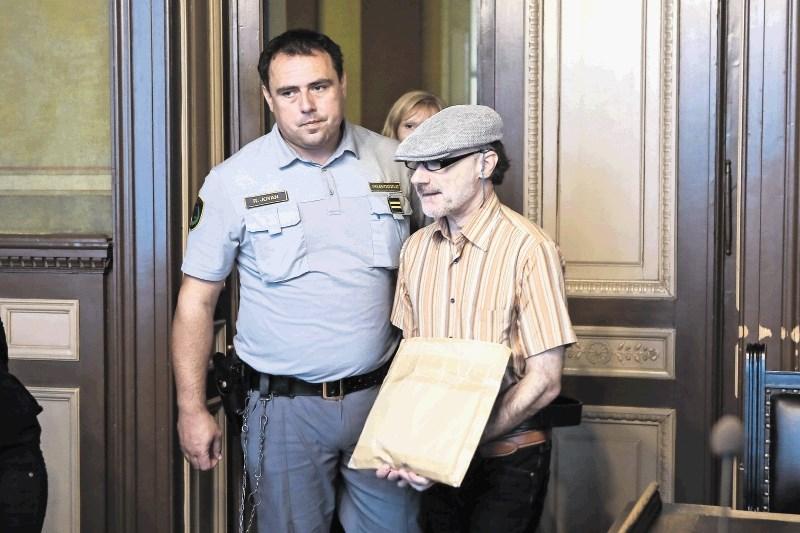 Stephan naj bi sojetnika nagovarjal k umoru zaščitene priče