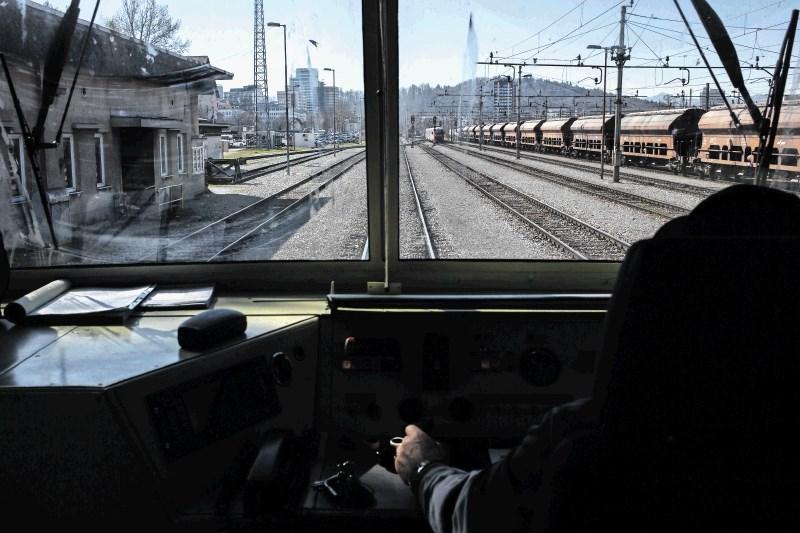 Del sindikata železničarjev s tožbo nad Žilića in nekatere člane sveta