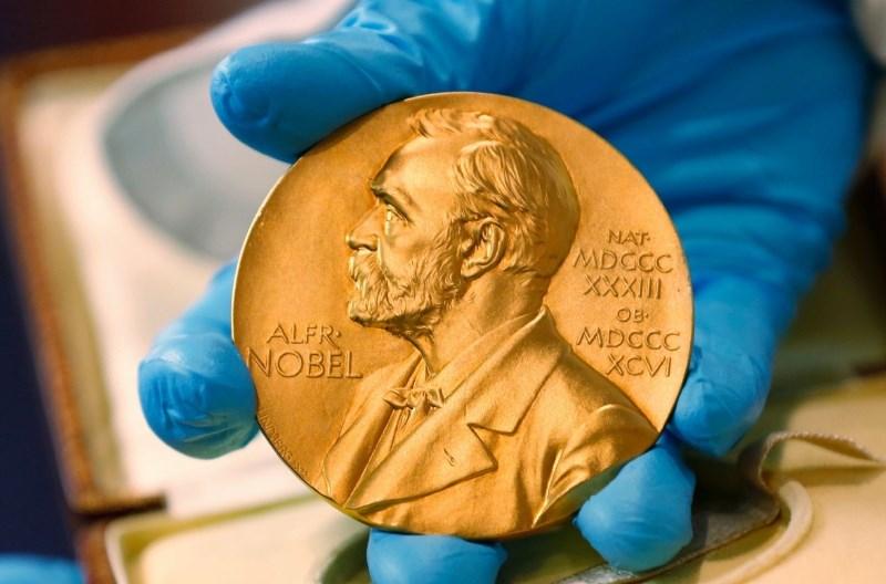 Švedska akademija imenovala pet novih članov odbora za Nobelovo nagrado za literaturo