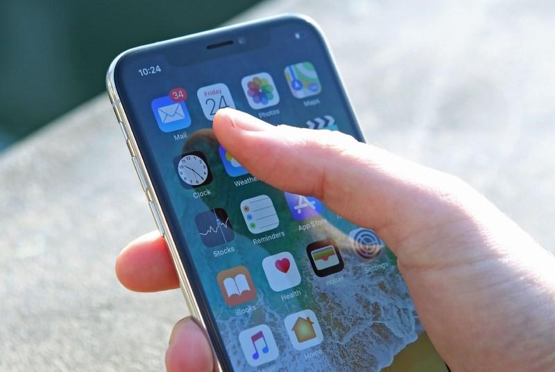Poznate že tri leta star trik na iphonu, ki je obnorel splet?