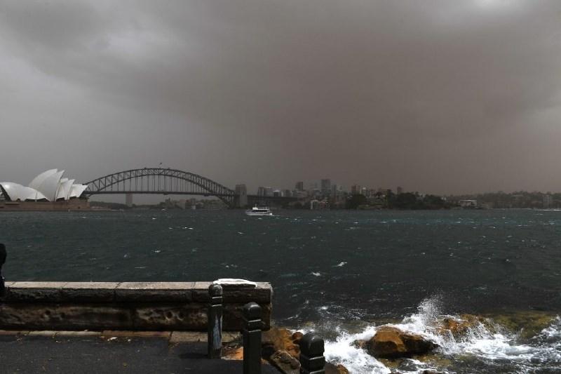 Sydney zajel peščeni vihar