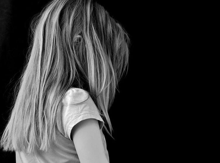 Policija opozarja, da se zlorabe otrok preko spleta dogajajo tudi pri nas