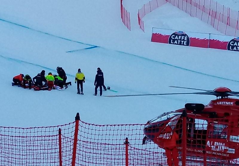 #foto V Val Gardeni zaradi padca Gisina prekinili tekmo