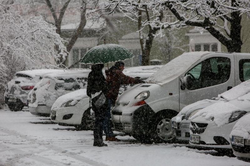 #foto Del države zajelo sneženje, sneg ponekod upočasnjuje promet