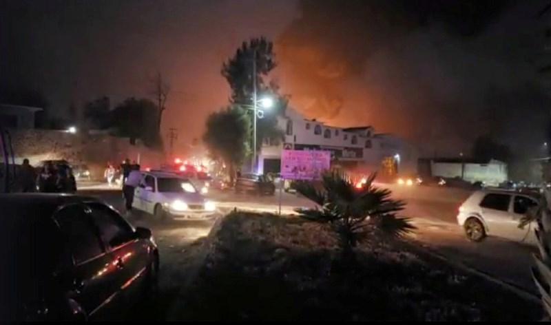 V eksploziji na naftovodu v Mehiki umrlo več kot 20 ljudi