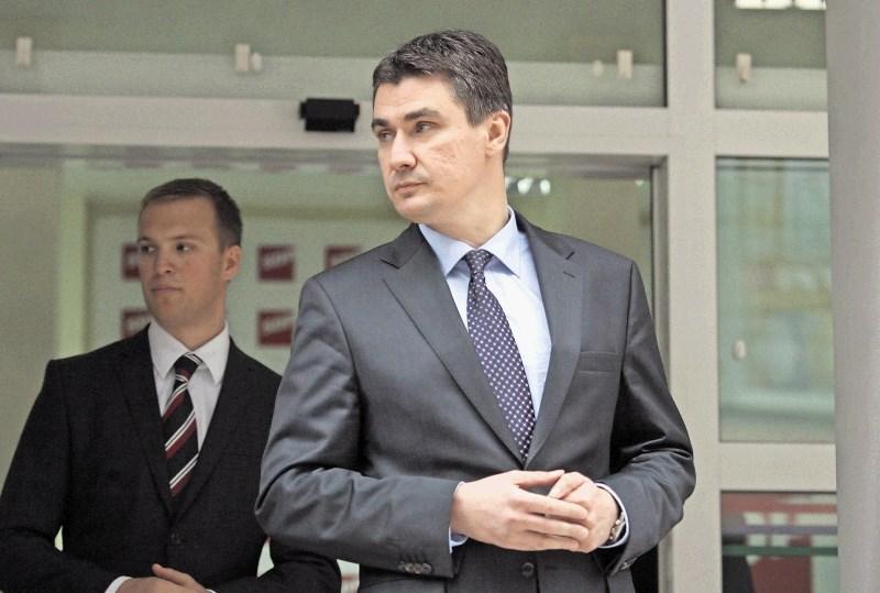 Ugibanja o politični vrnitvi Zorana Milanovića ob pripravah na predsedniške volitve
