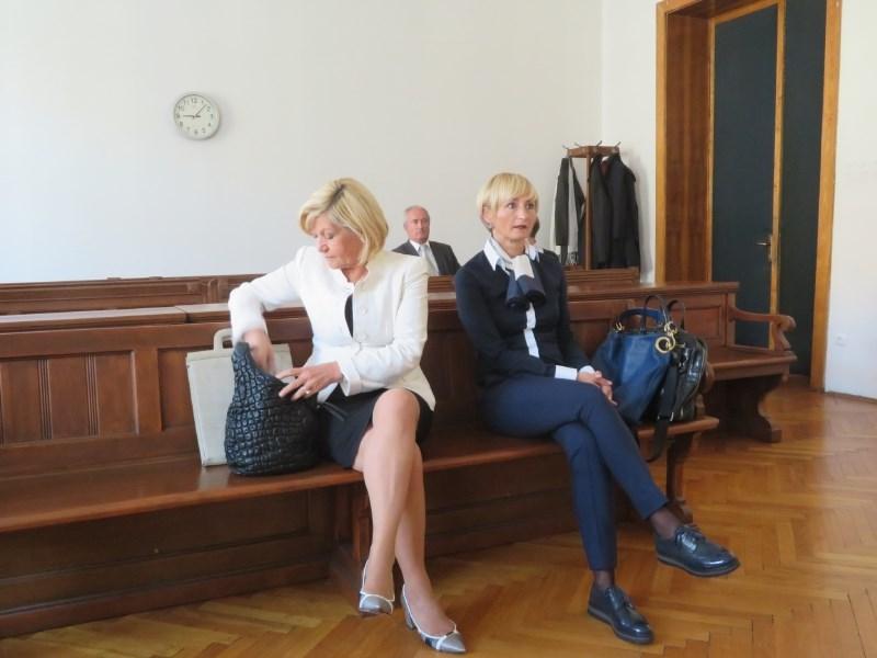 Nekdanji člani uprave Probanke morajo vrniti 1,5 milijona evrov