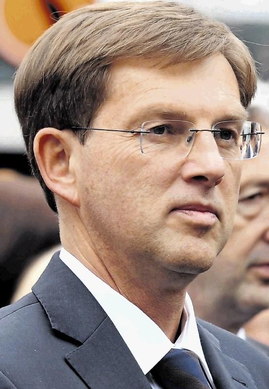 Cerar: Janševa stališča o arbitraži so nevarna