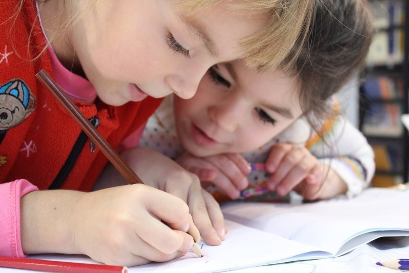 Finska, azijske države in Slovenija z najnižjo motivacijo otrok za učenje