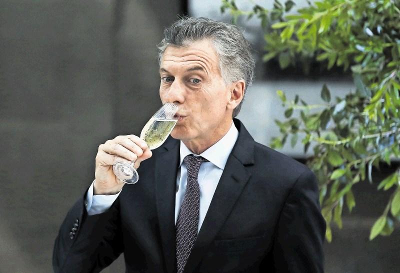Argentinski predsednik po nov mandat kljub krmarjenju na robu bankrota