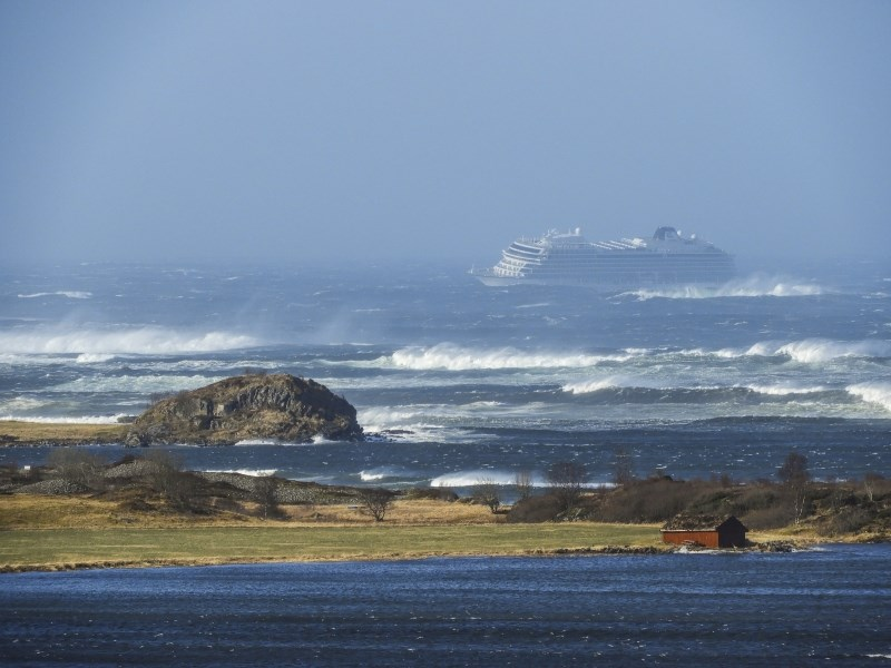 Pred obalo Norveške v težavah križarka s 1300 potniki